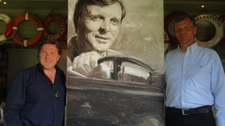 Portrait painter Peter Engels with the artwork