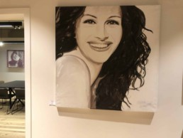Exhibition of the Julia Roberts portrait painting by Peter Engels