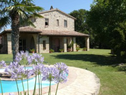 The house in Italy where Peter Engels made the Luciano Pavarotti portrait painting