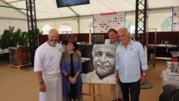 From left to right: celebrity television chef Philippe Etchebest, Madame Roger Vergé, artist Peter Engels and mayor of Mougins Roger Galy with the Roger Vergé portrait painting